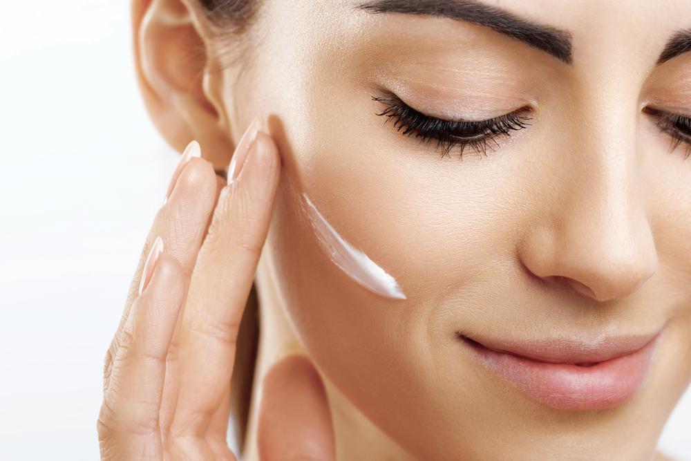 Emirati Arabi Uniti 3 miliardi di dollari la crescita prevista per il 2025 per il settore cosmesi