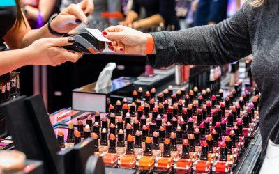 Cosmetica in rimbalzo trainata dal lusso e dai canali digitali